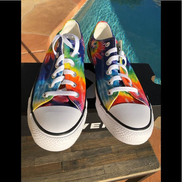 NWT Converse Chuck Taylor TieDye Low Tops  Rainbow